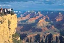 Живописные виды Гранд-Каньона открываются со смотровых площадок южной кромки каньона (автобусный тур по южной части Национального парка Гранд-Каньон. Туры из Лас-Вегаса в Гранд-Каньон)
