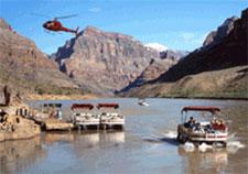 Спуск на вертолете на дно Гранд-Каньона - на глубину свыше 1 километра! Круиз по реке Колорадо. (Туры из Лас-Вегаса в Гранд-Каньон от туроператора 'Космополитан Тревел')